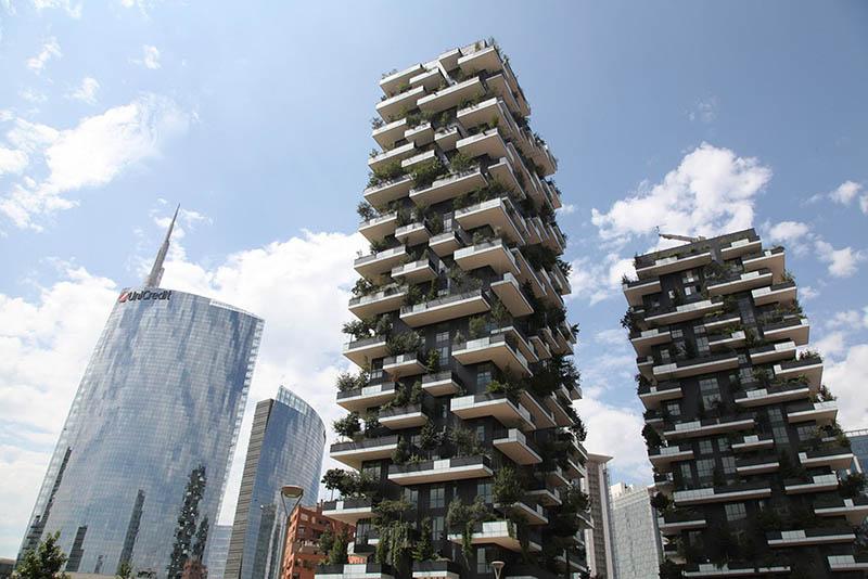 Vimar erleuchtet den wohnkomplex bosco verticale in for Architektur mailand