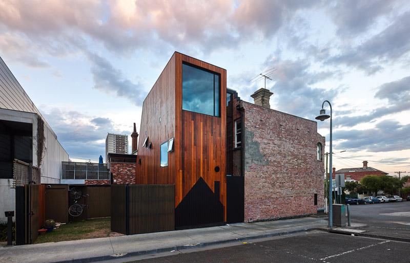 ein ganz schmales haus architektur online. Black Bedroom Furniture Sets. Home Design Ideas