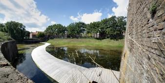 Die schwimmende Brücke
