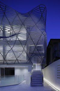 Haus im Käfig von Amano Design Office