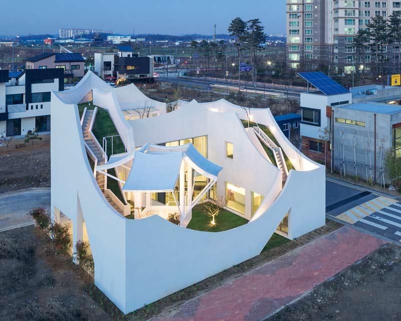 Hyo Man Kim IROJE KHM Architects