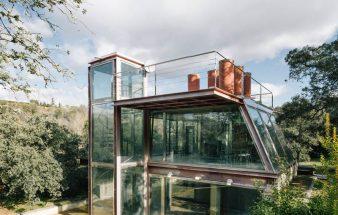 Versteckt im Wald – der verborgene Glaspavillon in Spanien Las Rozas