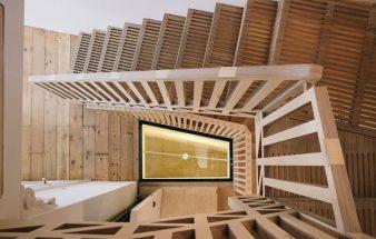 Das Stiegenpuzzle mit Sperrholzteilen