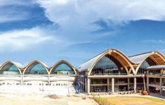 Airport mit  Holzdach-Konstruktion