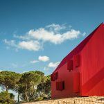 Reines Rot – House 3000 in Portugal