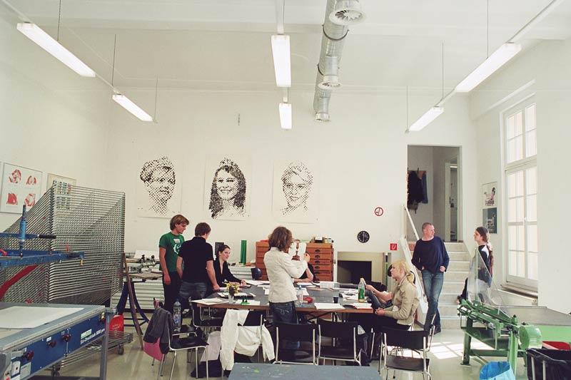 Siebdruckwerkstatt-Bauhaus-Universitaet-Weimar,-Nathalie-Mohadjer