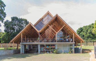Ein Dach aus Eukalyptus – Yamasen Restaurant
