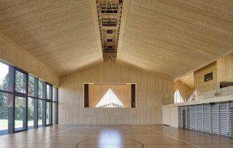Aus Holz gebaut  – Sporthalle Le Vaud