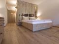 Leading-Family-Hotel-and-Resort-Dachsteinkoenig-Gosau_Admonter-FLOORs-Eiche-und-Platten-Fichte
