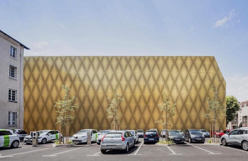 CCA_07_east-facade-of-the-cinema-photo-Luc-Boegly