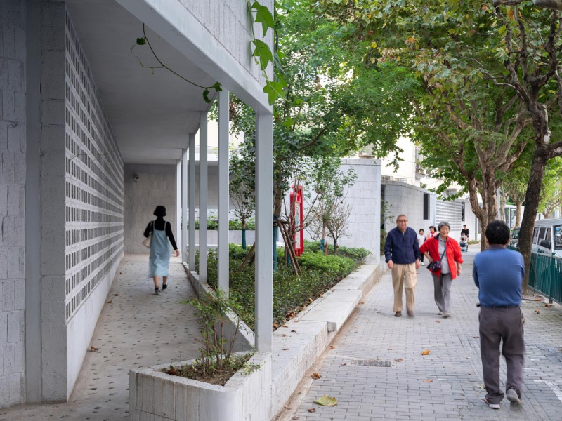View-of-the-corridor-and-the-Street-Life-Tian-Fangfang