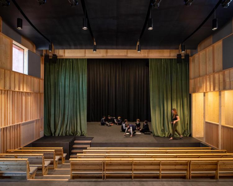 25-JTD-David-Brownlow-Theatre-Jim-Stephenson-18-highres