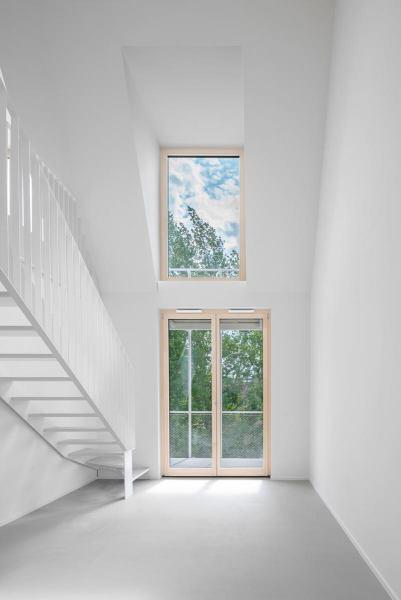 Maisonette-Wohnung-Wohnhaus-Eisberg-rundzwei-Architekten-Berlin-Foto-Gui-Rebelo-WHS66_049