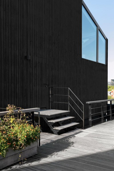 065-HR-01_Floating_Home_Schoonschip_residential_exterior_stair_i29