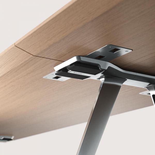 Brunner_ray_table_flex_Detail_oak_aluminium_RGB