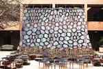 Ein Tischtuch an der Wand - Ball-Nogues Studio