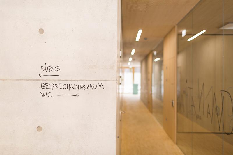 Eine partizipative Idee ist der Kern des Signaletik-Projekts von Sägenvier für den Kindergarten Markt der Stadt Dornbirn. Das Leitsystem erhielt den D&AD Award 2017 (Yellow Pencil) und schaffte es auf die Shortlist für den IIID-Award 2017.