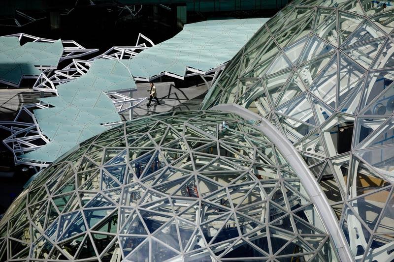 spheres-amazon-offices-seattle_dezeen_2364_col_0