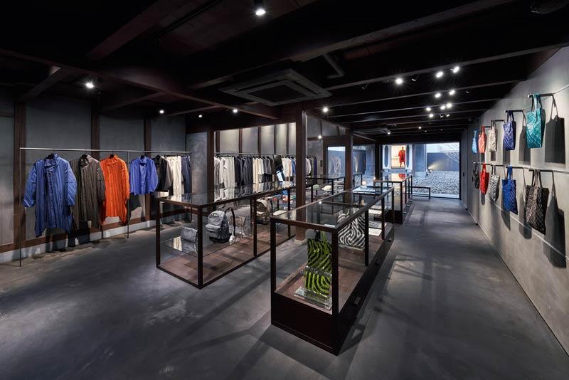 Erdgeschoss Issey Miyake Store