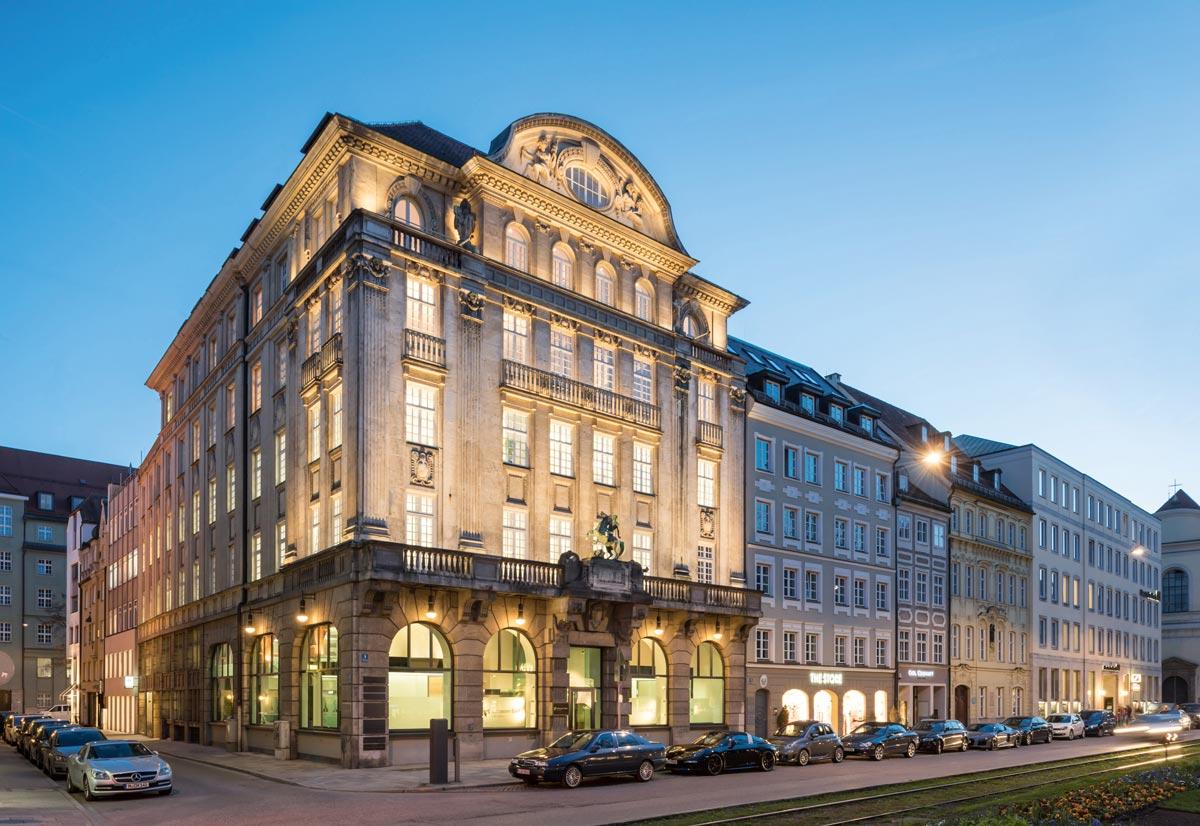 Holler-Stiftung am Promenadeplatz, München