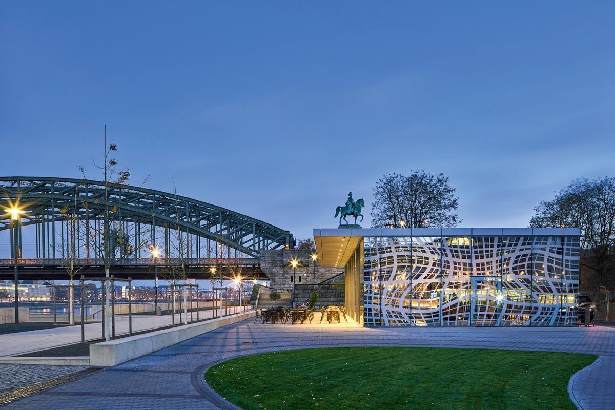Rheinboulevard in Köln