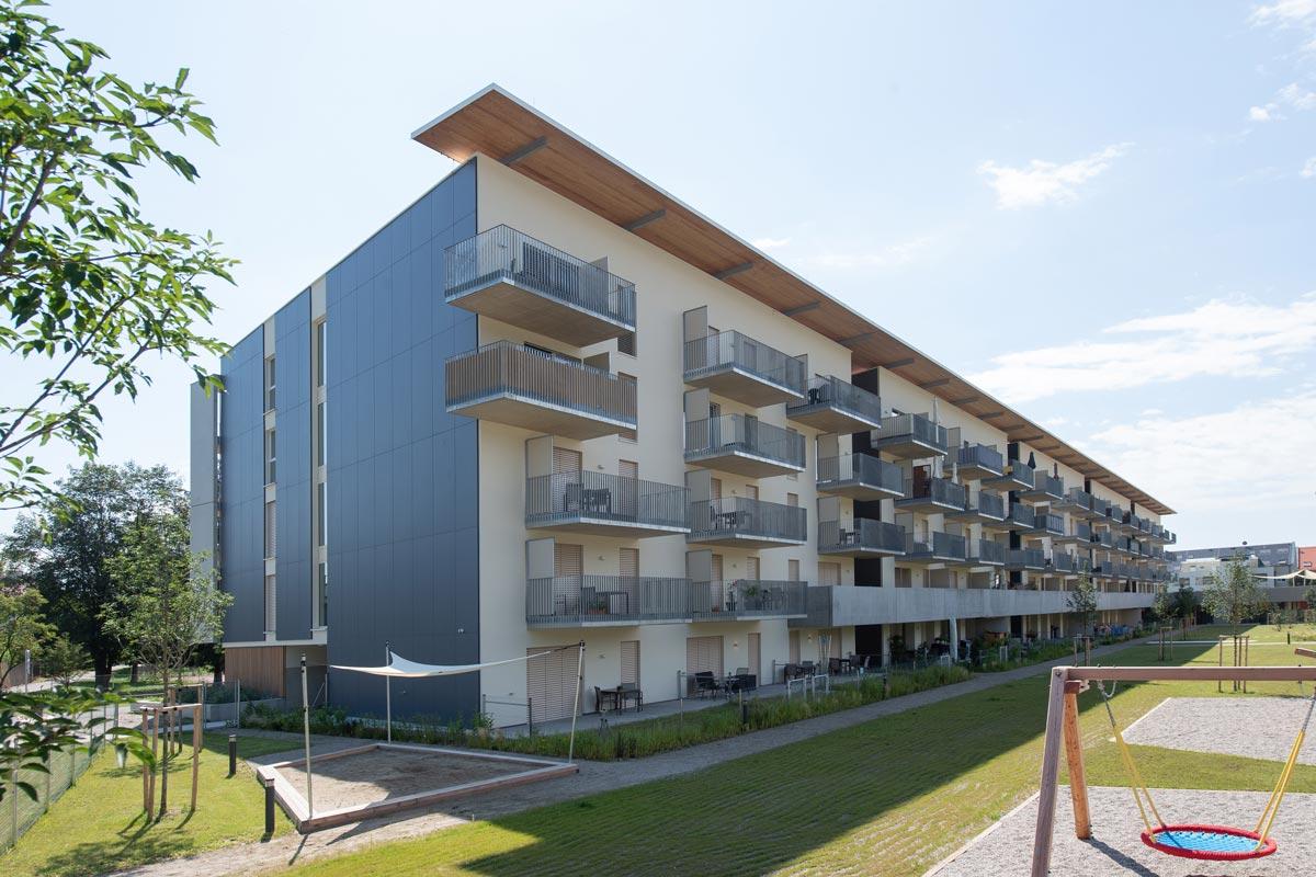 Wohnhausanlage Vinzenzgasse in Graz - Raffstoren und ZIP-Systeme von VALETTA Sonnenschutztechnik