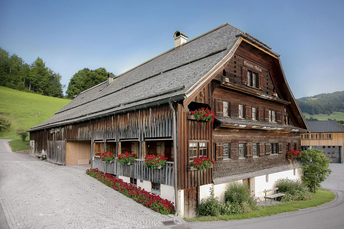Architektur im Bregenzerwald - Angelika Kauffmann Museum in Schwarzenberg von Dietrich Untertrifaller Architekten