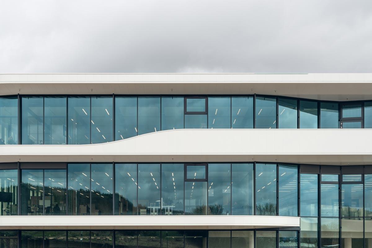 DOMICO Planum-Fassade am Verwaltungs- und Produktionsgebäude der Siegfried Hofmann GmbH in Lichtenfels (D)
