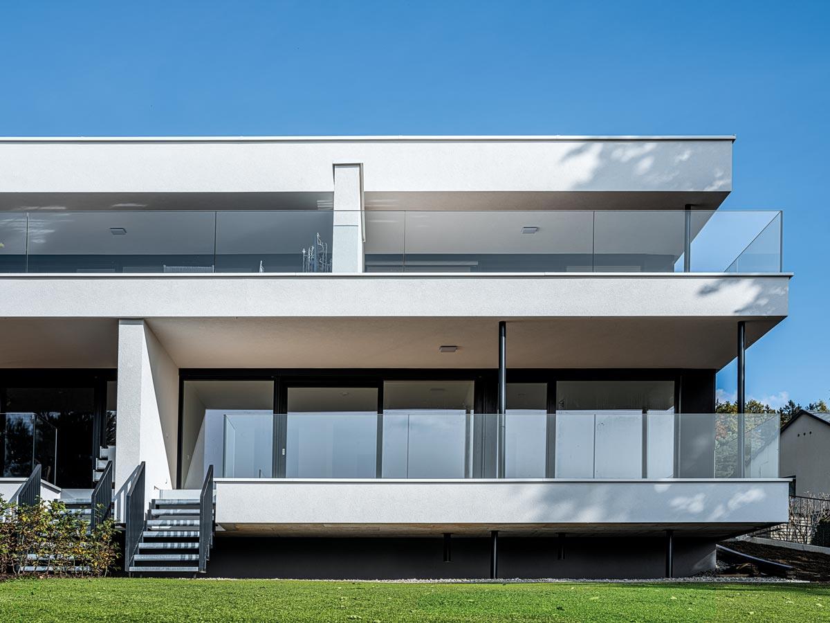 Am nördlichen Stadtrand von Graz gestaltete Architekt Gerald Prenner für das Oberwarter Bauunternehmen Schwartz Bau eine Wohnhausanlage, die nicht nur wegen ihrer gehobenen Ausstattung lockt.