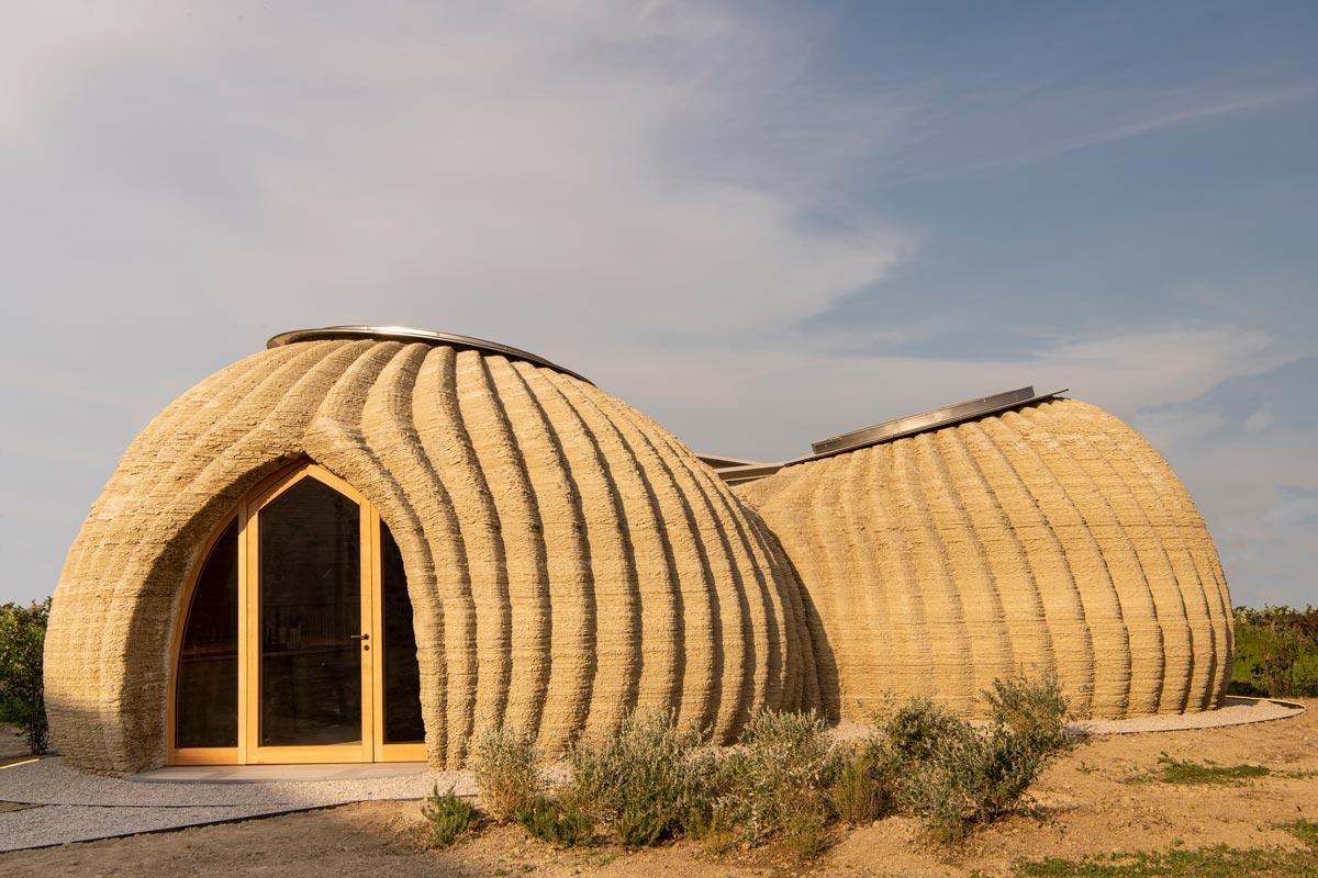 In Kooperation mit WASP entwickelten Mario Cucinella Architects mit dem Projekt TECLA den ersten gedruckten Bau aus Erde.