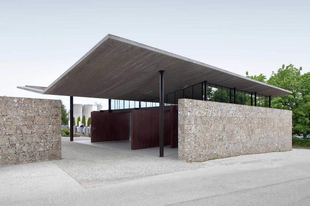 Einem der wohl emotionalsten Eckpunkte des Daseins widmeten sich die Planer von Moser und Hager mit der Konzeptionierung der Aufbahrungshalle in Kematen an der Krems.